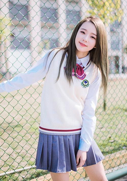 夏装套装女装时尚_便宜小学学生服装图片-娇兰服装有限公司
