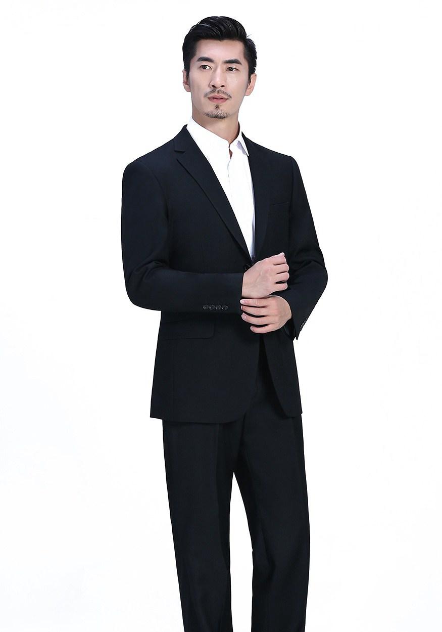 如何选择定制新郎礼服呢,定制新郎礼服的流程